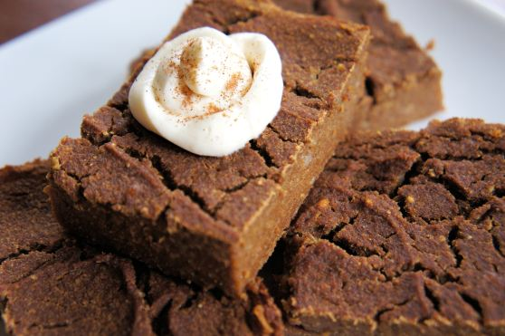 Healthy Pumpkin Pie Bars