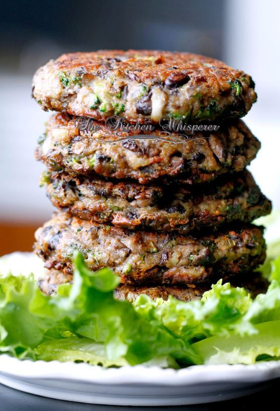 ChunkyPortabellaBlackBeanBroccoliPatty